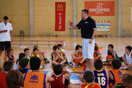 II HIGH SCHOOL CAMPUS VALENCIA - Campus Baloncesto