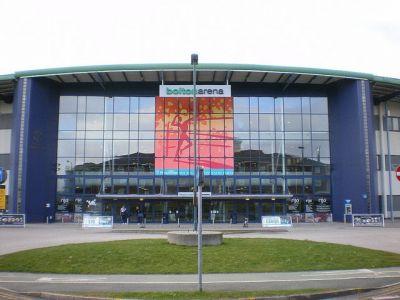 Academia Internacional de Alto Rendimiento USN Bolton Arena - Clases de Tenis