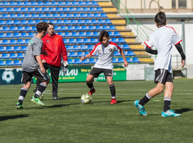 B1 Soccer Academy Stages - Escuelas de Fútbol 45b3aaba77e9d